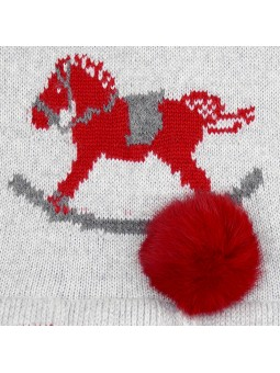 Foque vestido de punto con pompón rojo detalle