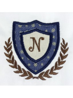 Nachete camisa detalle escudo