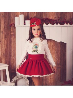 Nora Norita conjunto con falda roja lookbook