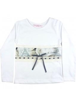 Nora Norita camiseta blanca con aplique