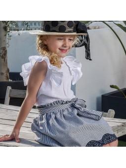 Rochy conjunto blusa blanca con falda a rayas lookbook