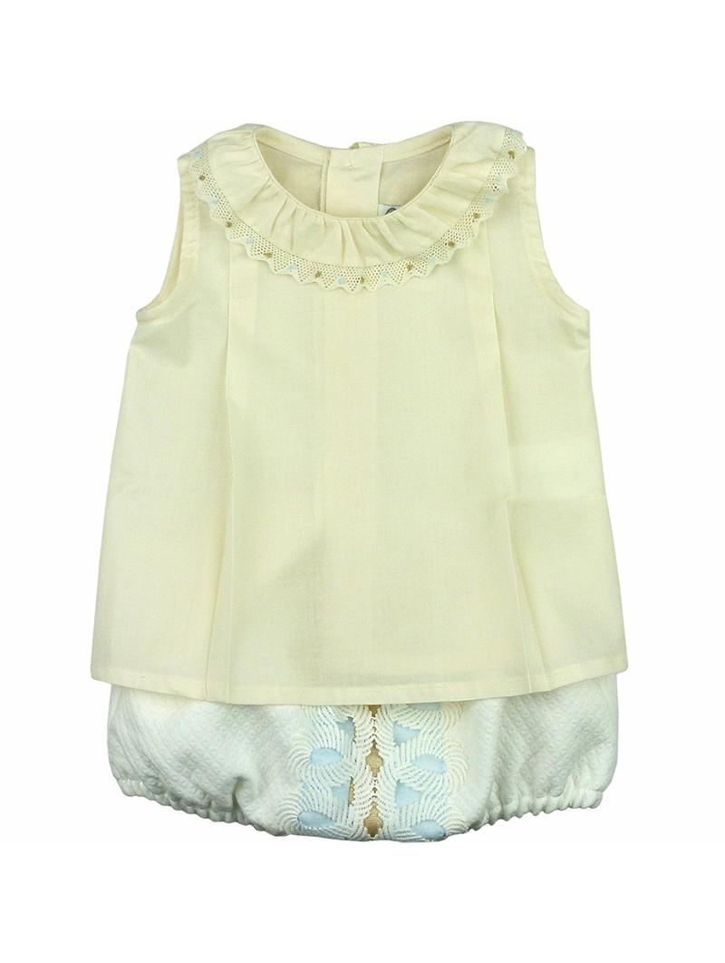 Rochy. Conjunto de bebé blusita beige y braguita piqué
