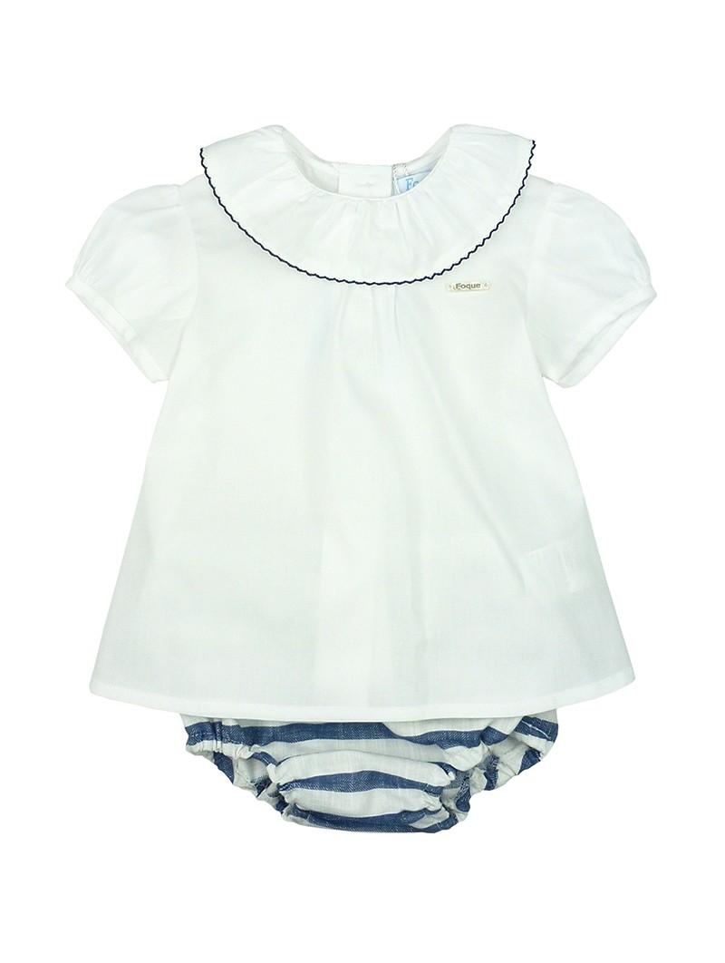 Foque. Conjunto de bebe blusa y cubrepañal